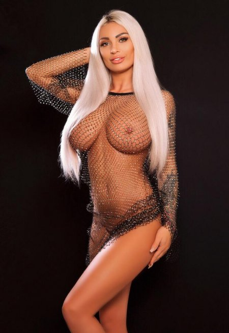 Blonde hair london escort Flory located in Mayfair picture 10