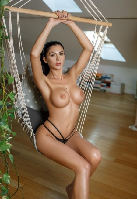 Black hair london escort Tiffany located in Paddington picture 2