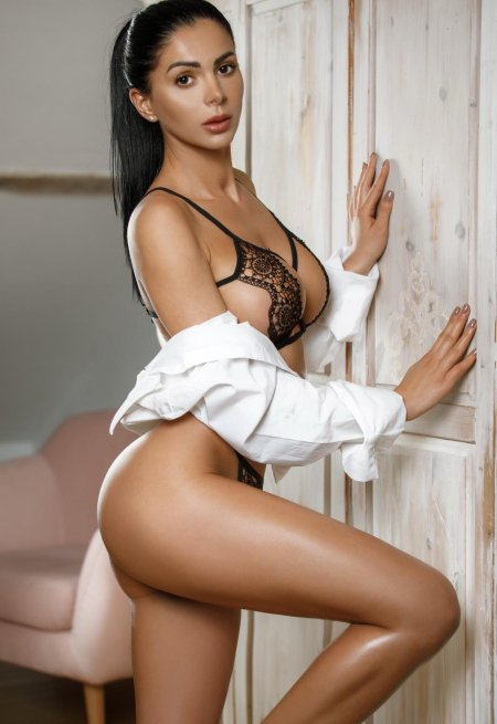 Black hair london escort Tiffany located in Paddington picture 0
