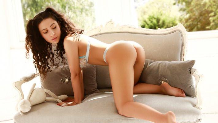 Black hair london escort Amaya located in Marylebone picture 19